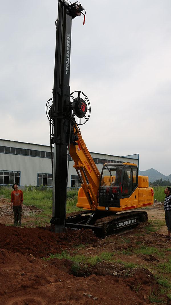 旋挖桩扩大头尺寸_LD-135履带方杆旋挖机-